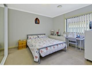 View profile: Outstanding 3 bedrooms- 2 Bathrooms!