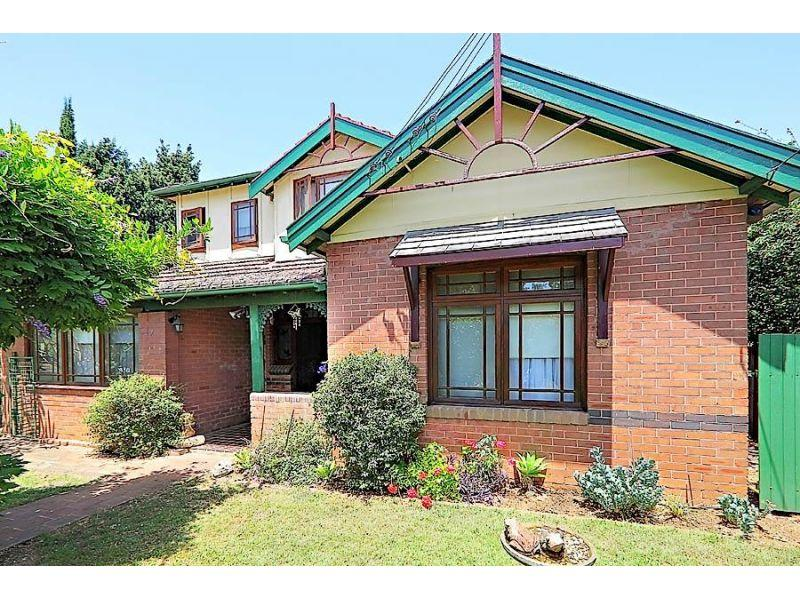 Large Double Brick Home on Huge 1000sqm Block In Great Street