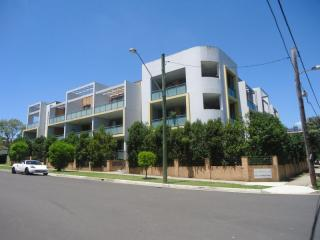 View profile: Walk to Westmead Station! Gorgeous Unit!