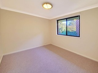 View profile: Three Bedrooms! New carpets & Paintwork