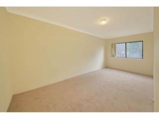 View profile: 3 Bedroom Unit- Walk to Station!