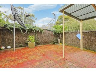 View profile: 3 Beds,2 Baths, Pool & Tennis Court