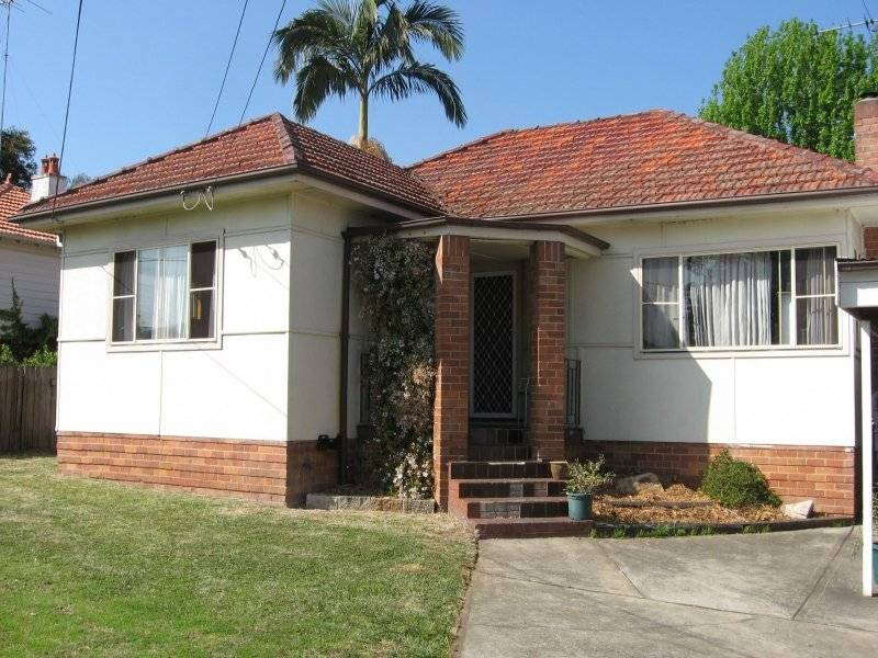Detached 3 Bedroom Home