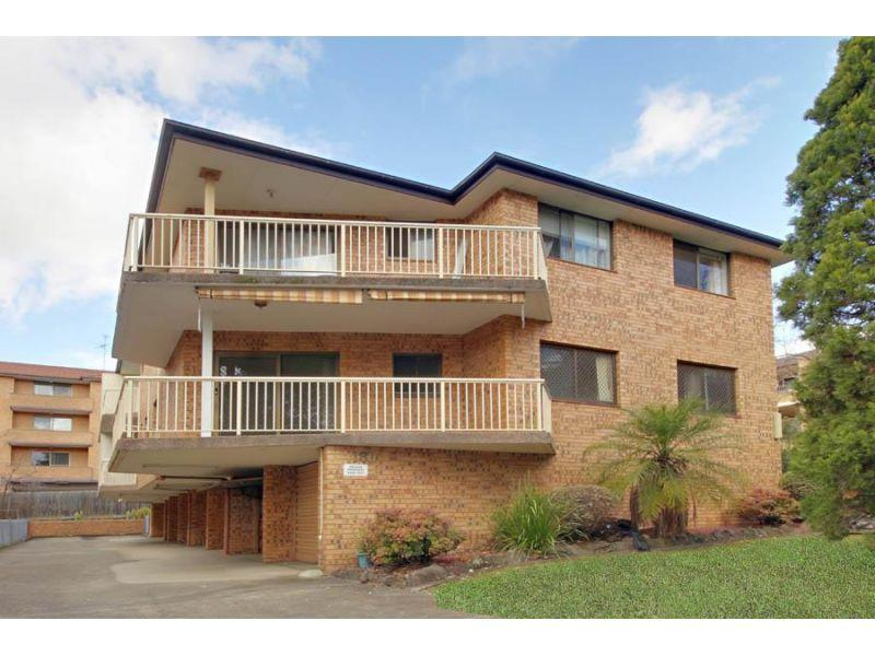 3 Bedroom Unit- Walk to Station!