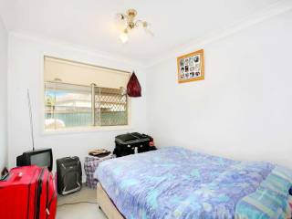 View profile: 3 Bedrooms - Stroll to Station!
